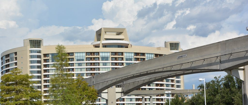 bay-lake-tower-with-monorail