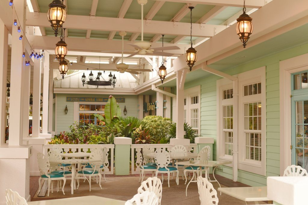 old-key-west-outside-seating-area