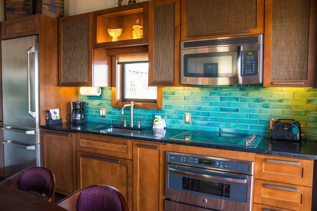 polynesian-bungalow-kitchen-best